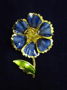 Fantastic Blue Flower Brooch Beautiful Enamel Blue/Gold