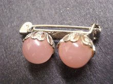 Small Brooch Pink Pearly Beads