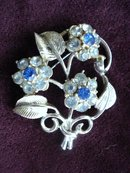 Lovely Floral Brooch Silver Tone