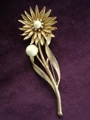 Gold Tone Brooch Large Flower