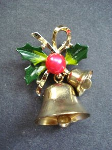 Christmas Season Brooch