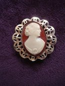 Very Pretty Bakelite Cameo Brooch Fantastic Detail