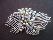 Brooch Rhinestone Pearls