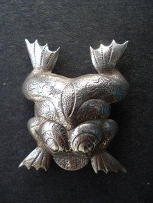 Silver Toad Frog Brooch