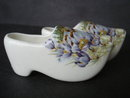 Figural China Shoes Manitoba