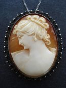 Antique Cameo Broach / Pendant
