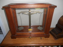 Scientiic Single Beam Balance Scale in Mahogany Case