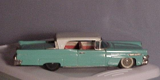 Bandai Lincoln Continental Mark111, Friction Car