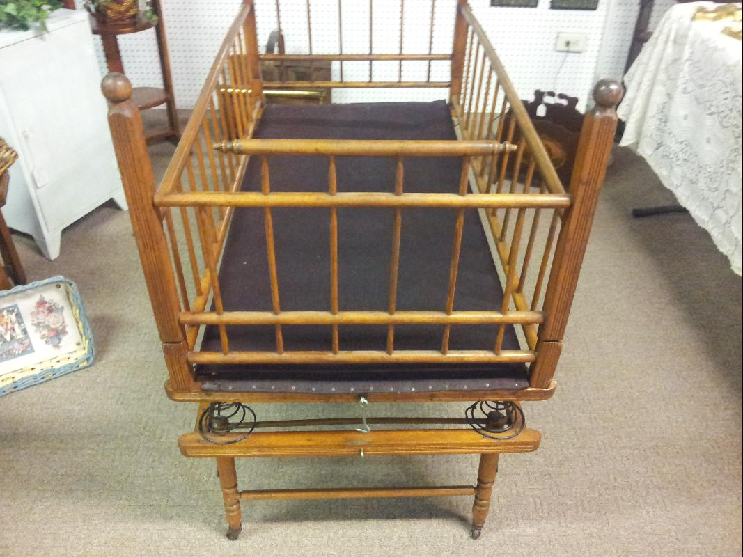 Antique Crib with Bouncer/Spring system