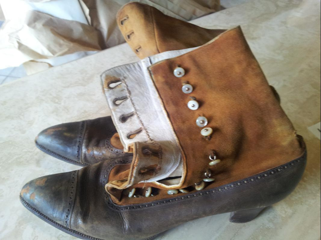 J. & T. Cousin's Shoes