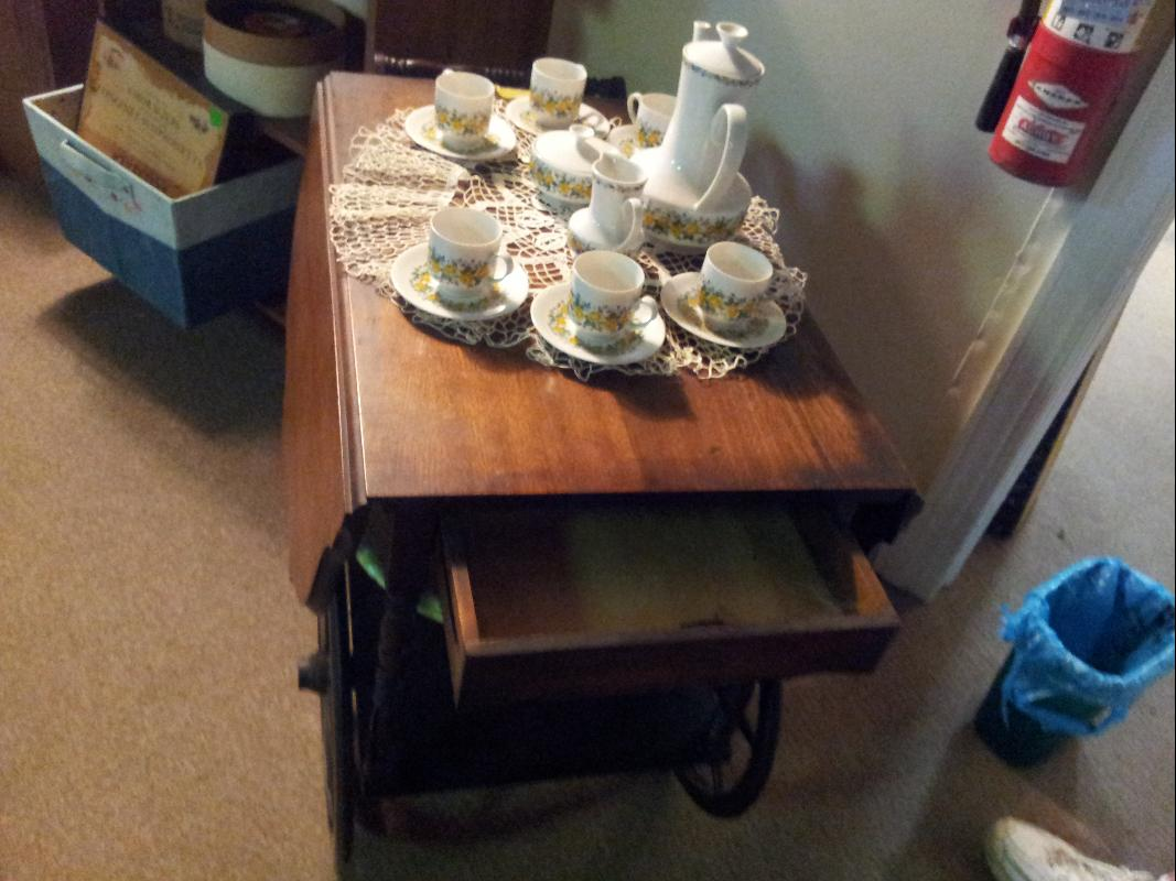 Serving Cart with convertible top