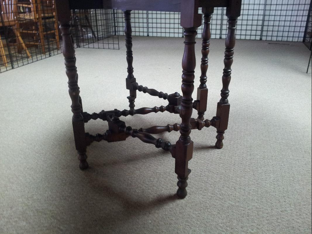 Table with Puzzle legs