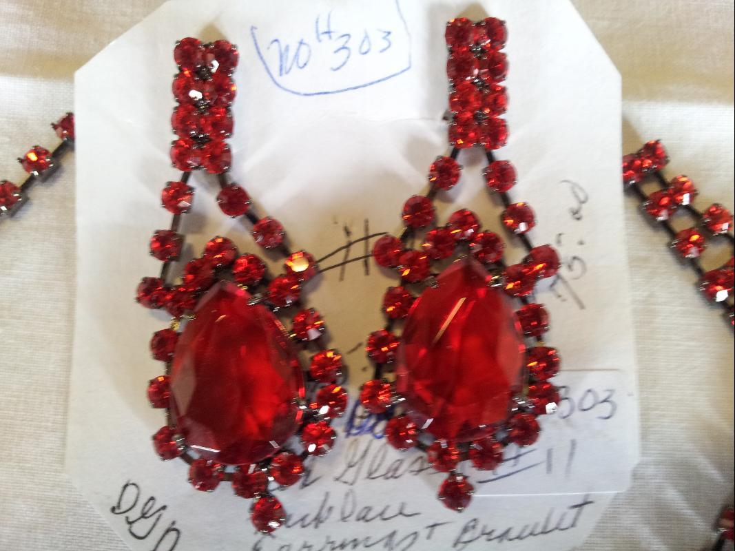 Red Glass 3 piece set