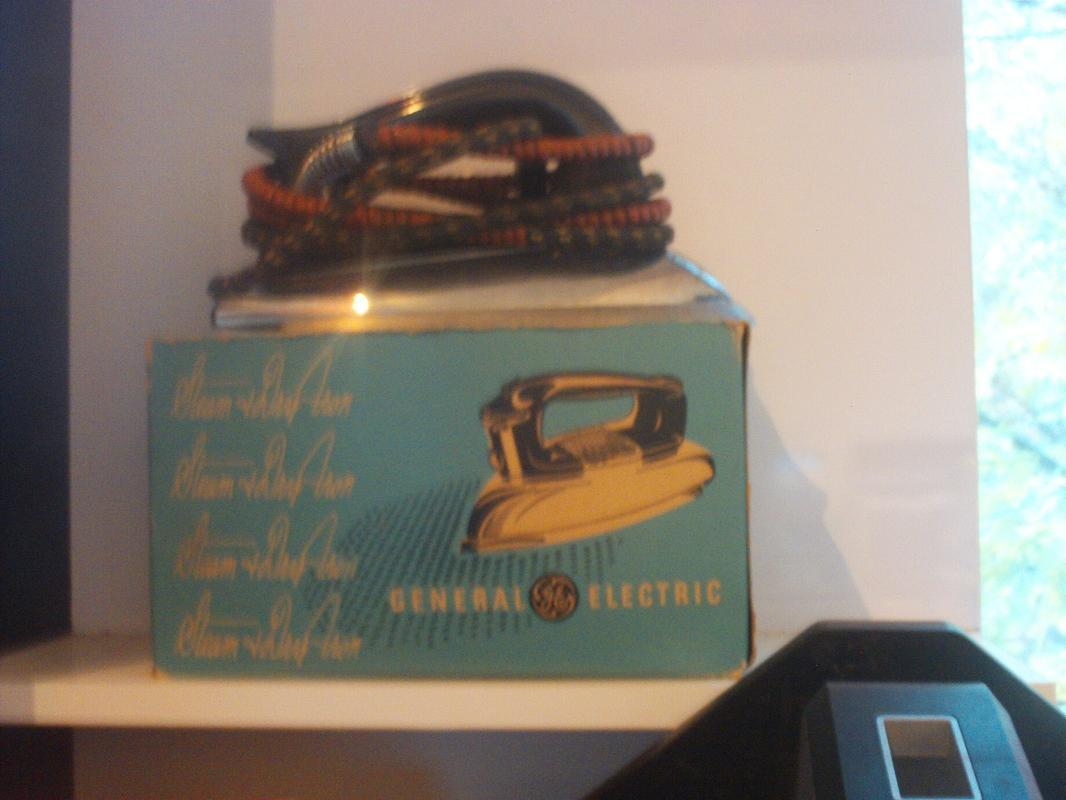 Pre-1963 G E Steam and Dry Iron