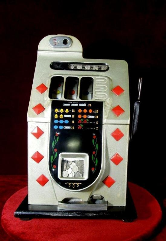 Antique Mills Slot Machine  5 cent Diamond Front Collectible
