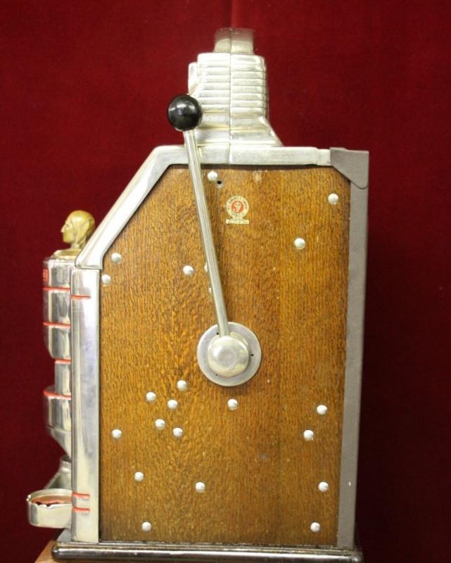 Antique Jennings Sun Chief Quarter Slot Machine