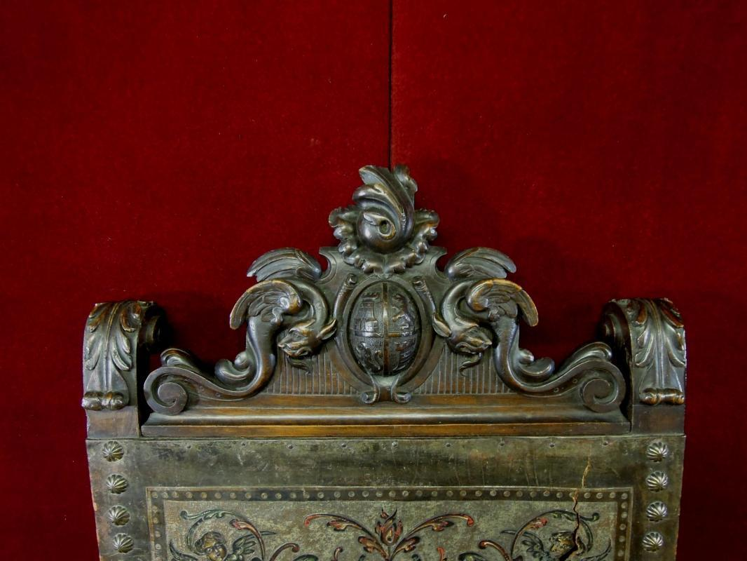 Antique Regal Gothic Throne Chair Coat Of Arms Figural Head RARE