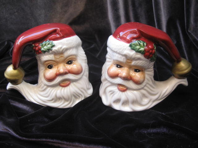Fitz & Floyd Large Holiday Santa Claus With Bell  Salt & Pepper Shakers Christmas