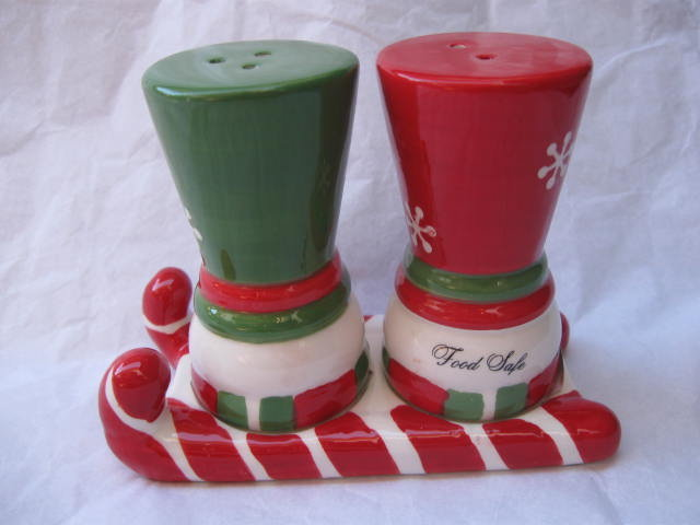 Winter or Christmas Snowman  Snowmen Salt & Pepper Shakers With Holder
