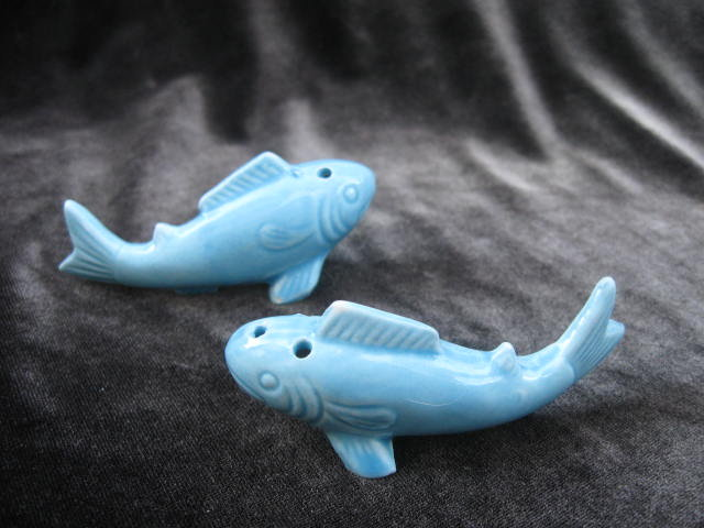 Vintage Aqua  Blue Fish Salt & Pepper Shakers