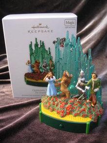 Hallmark  2011 Optimistic Voices Magic Light &  Wizard Of Oz Christmas Tree Ornament