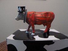 Cow Parade Beefeater  It Ain't Natural  Cows On Parade  British Guard Figurine