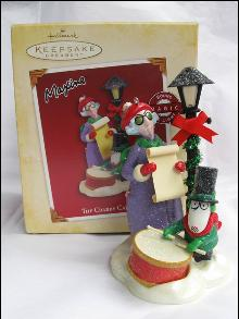 Hallmark 2005 The Crabby Caroler Maxine Magic Christmas Tree Ornament