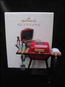 Hallmark 2006 OH, WHAT A GRILL (BBQ) Christmas Tree Ornament