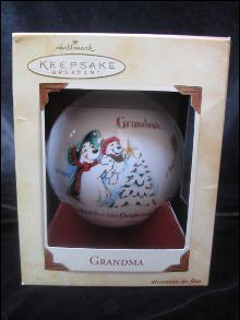 Hallmark 2002 Grandma Glass Christmas Tree Ornament