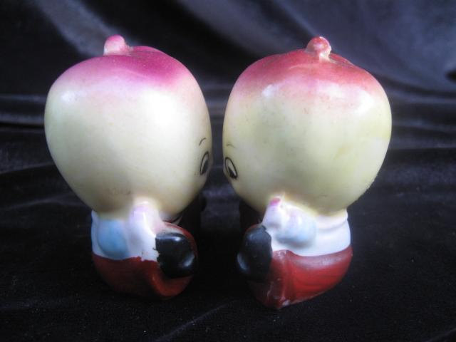 Vintage Anthropomorphic Apple Salt & Pepper Shakers With Original Label