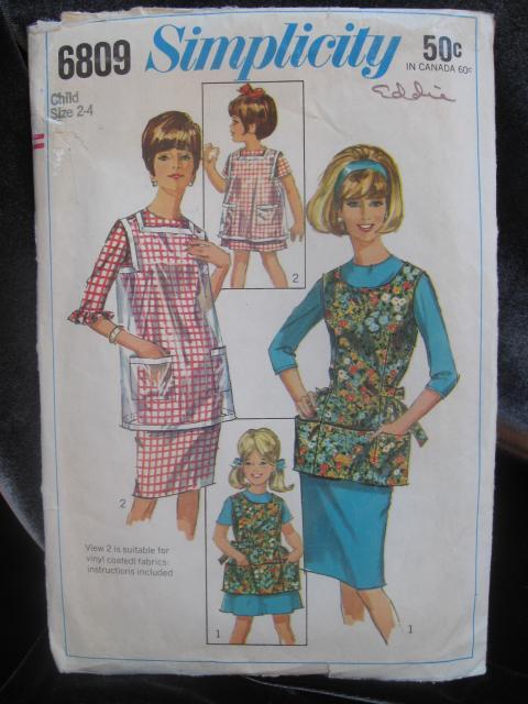 Vintage Simplicity 6809 Child's Apron Size 2 - 4