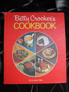 Betty Crocker's Cookbook Pie Cover Copyright 1969 28th Printing