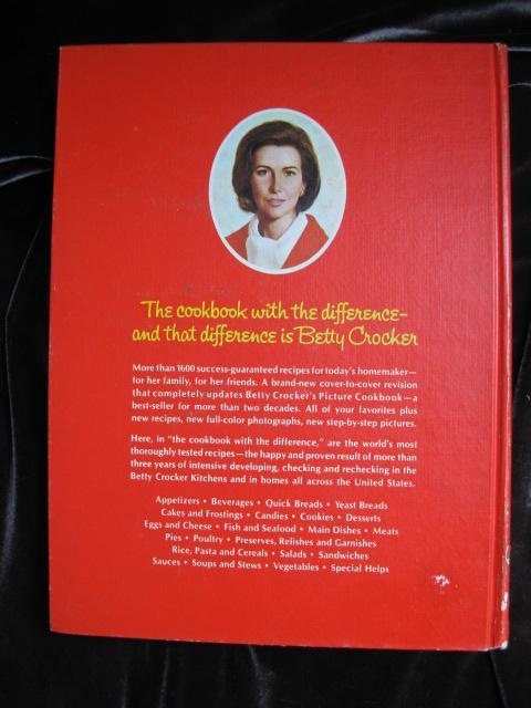 Betty Crocker's Cookbook Pie Cover Copyright 1969 12th Printing