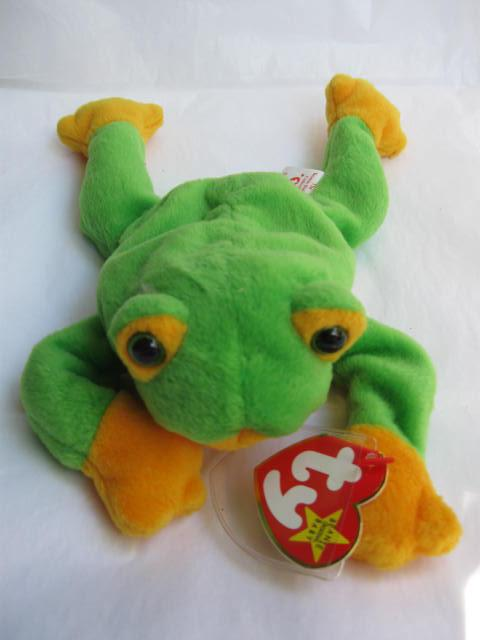 Ty Smoochy The Frog Ty Beanie Baby Retired
