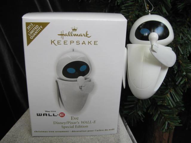 Hallmark 2012 Robot
