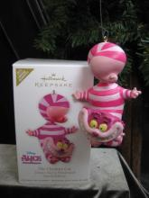 Hallmark 2012 Cheshire Cat Alice In Wonderland Special Limited Edition Christmas Tree Ornament