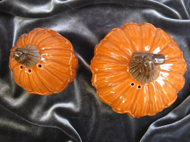 New Hallmark 2012 Pumpkin or Gourds Thanksgiving Fall Salt & Pepper Shakers