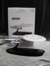 Hallmark 2012 Star Trek U.S.S. Enterpirse NCC-1701-D Magic Voice Christmas Tree Ornament
