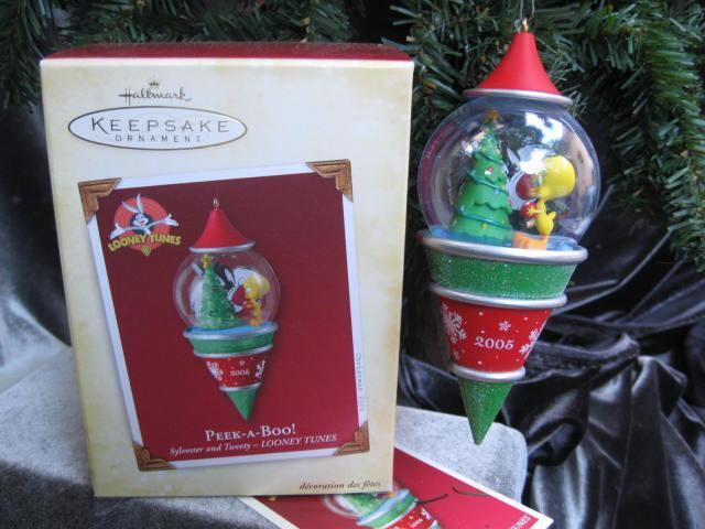 Hallmark 2005 Peek A Boo Sylvester & Tweety Looney Tunes Christmas Tree Ornament