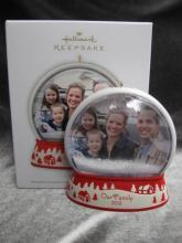 Hallmark 2012 Our Family Snowglobe Photo Holder  Christmas Tree Ornament