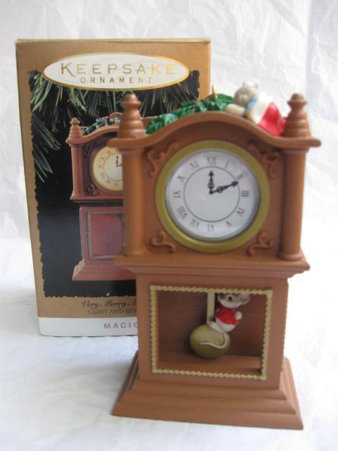Hallmark 1994 Merry Christmas Minutes Mouse & Grandfather Clock Magic Light & Movement Christmas Tree Ornament