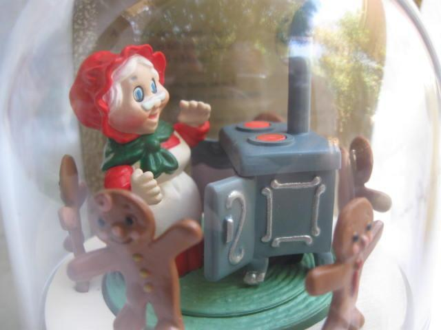 Hallmark 1990 Mrs. Santa's Kitchen With Gingerbread Christmas Cookies & Oven Magic Light & Motion  Christmas Tree Ornament
