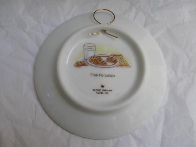 Hallmark 2000 Grandma's House Collector's Plate Mice Christmas Tree Ornament