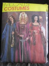 New McCall's 3663  Misses'  Italian  Renaissance Medieval Juliet  Robe Gown  Halloween Costume Sewing Pattern  Size EE  14, 16, 18,20