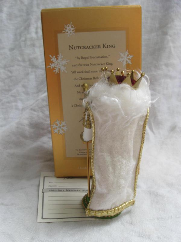 Hallmark 2004 Nutcracker King  Club Exclusive Christmas Tree Ornament