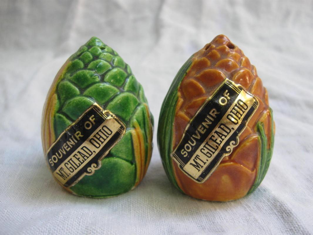 Vintage Souvenir Artichoke Salt & Pepper Shakers