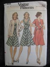 New Vintage Vogue 8819 Misses' Jacket & Dress  Size 14 1970's