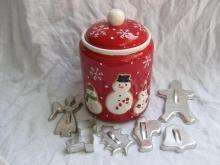 Hallmark 2011 Snowmen Winter Christmas Cookie Jar + Cookie Cutters Bonus