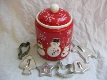 Hallmark 2011 Snowmen Winter Or Christmas Cookie Jar + Cookie Cutters Bonus