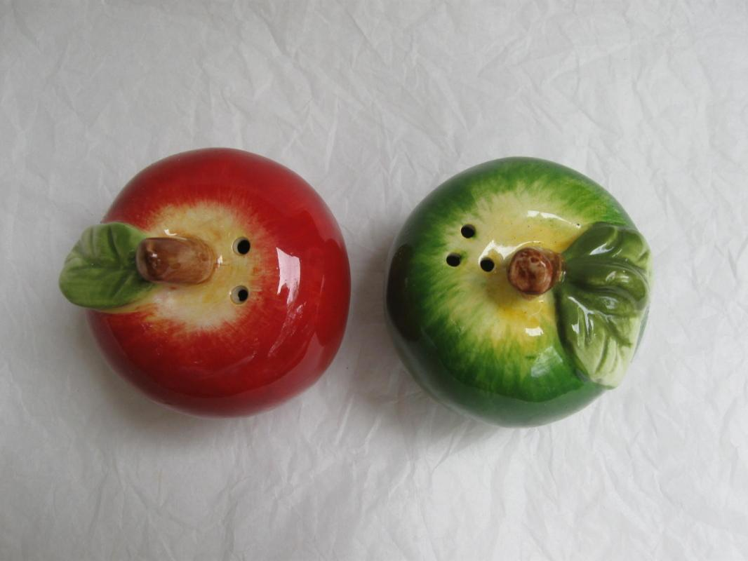 Green & Red Apple Salt & Pepper Shakers